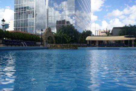 piscina-hotel-gran-melia-caracas.jpg